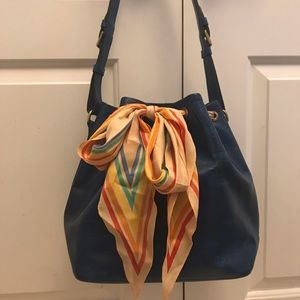 🎉HP🎉 Louis Vuitton Epi Noe blue bag